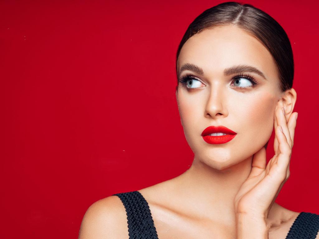 Màu phun xăm môi cho người trung niên tuổi 30